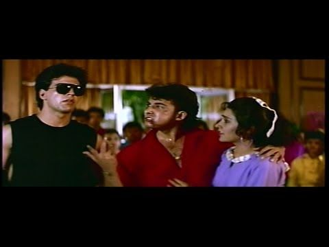 Deepak Tijori & Akshay Kumar Bash up the Thugs in the College Canteen (K...