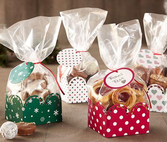 19,95 TL Kendi pişirdiğinizi güzel bir şekilde paketleyin! Bu kurabiye kutusu seti ile örneğin kurabiyeleri ve pralinleri sevginizi göstererek paketleyebilirsiniz. Dört farklı desendeki hediye sepetleri nikah şekeri için de kullanılabilir.