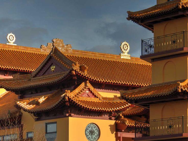 Pagode Khánh-Anh d'Évry - Symboles bouddhistes