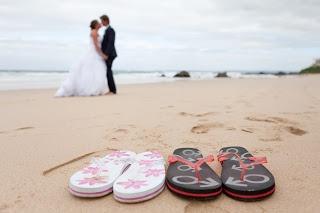 Laura Versfeld Photography: Wedding Memories: Just Married Flip Flops