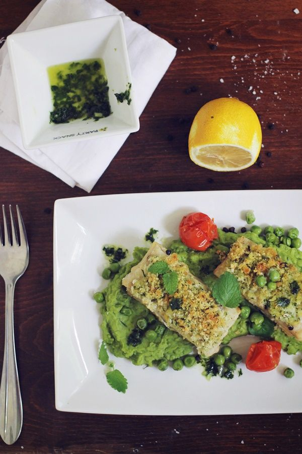 Baked fish and peas puree
