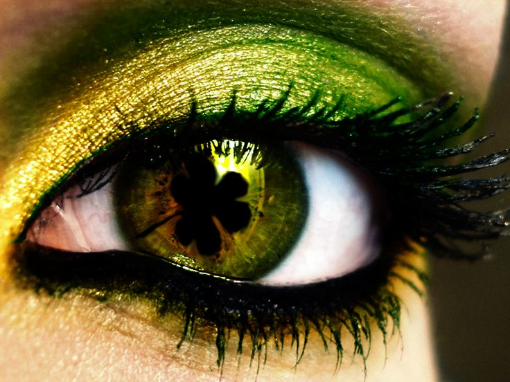 Irish  A DAY TO WEAR GREEN EYE SHADOW AND GREEN CONTACS IF YOU HAVE THEM.: Color, Makeup, Patricks, Green Eyes, Irish Eyes, Beauty, Hair