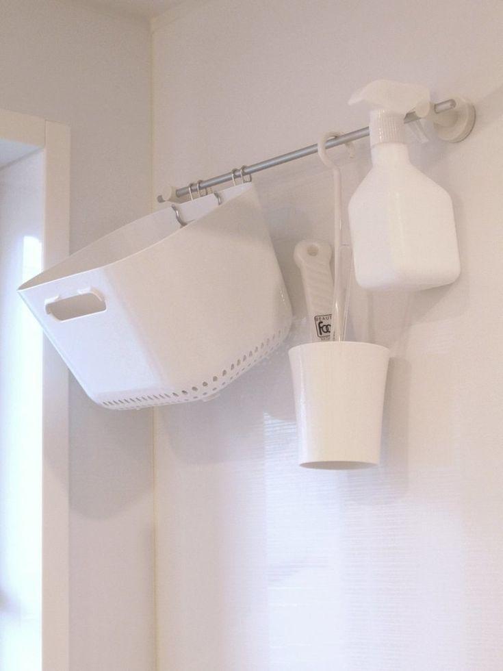 ユニットバスの壁にマグネットが付くって、知っていましたか?<br />ウチの浴室では、無印良品や100均の便利グッズを使って、<br />ほとんどのものを吊り下げ収納にしています。<br />浴室の吊り下げ収納は、お掃除しやすくなりキレイも保ちやすくなります。<br /><br />