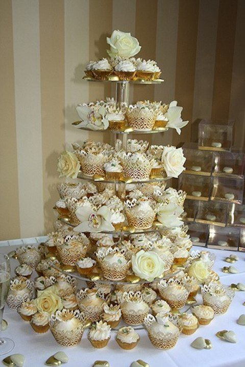 The Most Elegant Cupcake Stand Display Ive Ever Seen 50th