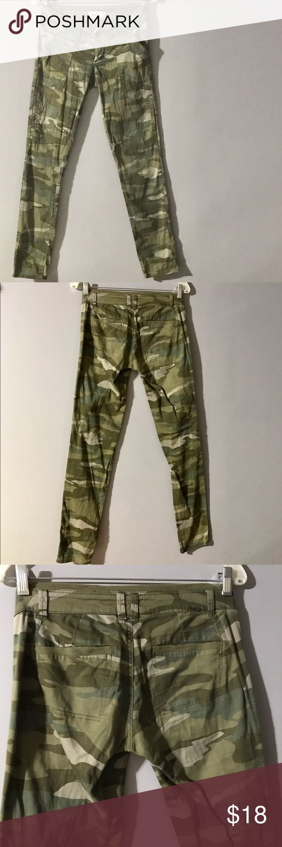 Jolt Camo Skinny Pants These gentle uses camo pants are awesome. They fit like skinny jeans and are like cargo pants with knee pockets. Size 1 by Jolt. Jolt Pants Skinny