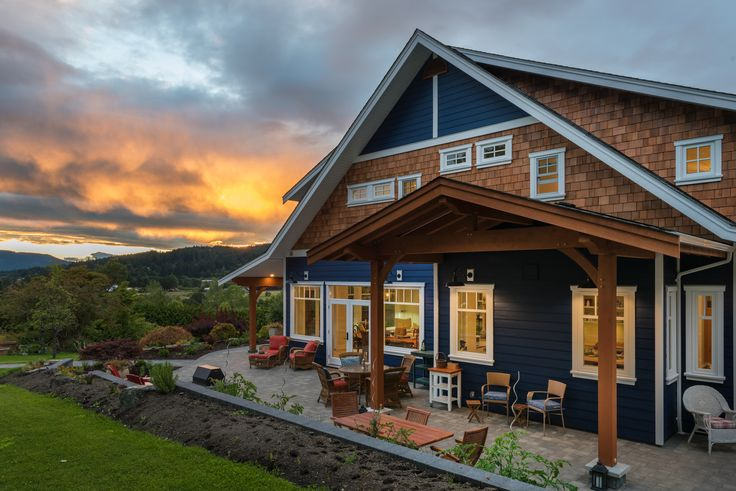 Custom Built Contemporary Farmhouse Connects to the View