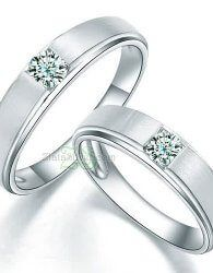 Cincin Kawin Sadi model cincin kawin simple dengan sebuah permata bulat pada masing-masing cincin  zlatasilver.com/cincin-kawin-sadi.html  #cincinkawin #cincin #kawin #tunangan #wedding