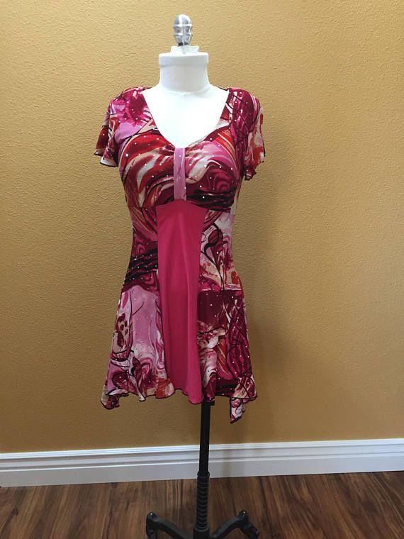 Diseño original vestido brillante / camiseta rosa pequeño - previamente usado