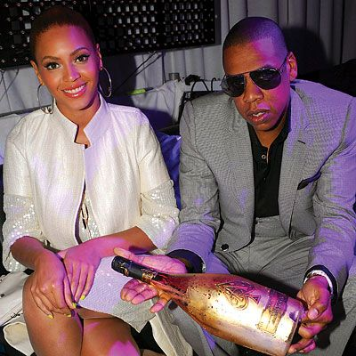 Cristal Champagne Price | ... WATCH JAY-Z POP $250,000 WORTH OF CHAMPAGNE @ CLUB LIV | Showtime Says