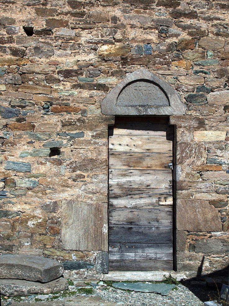 Castello-di-Rostino Santumasgju porte latérale - Castello-di-Rostino — Wikipédia