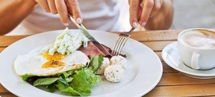 Κάψε λίπος- Τέσσερις expert συνδυασμοί τροφών για επίπεδη κοιλιά