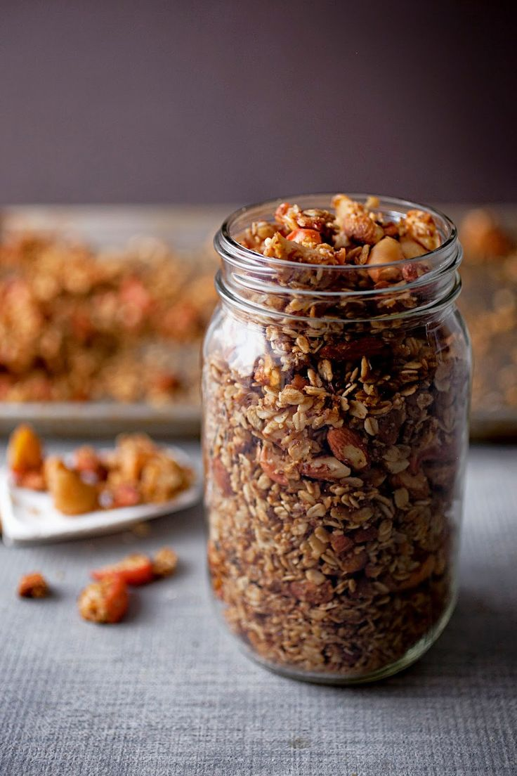 A CUP OF JO: Maple Apple Granola