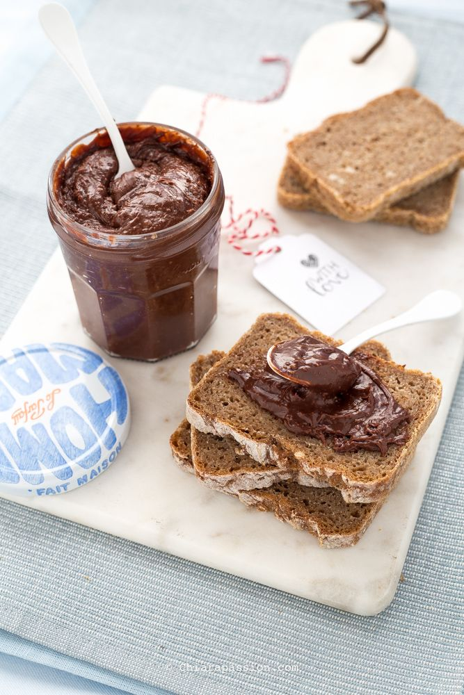 Nutella fatta in casa - crema spalmabile alla nocciola - Chiarapassion