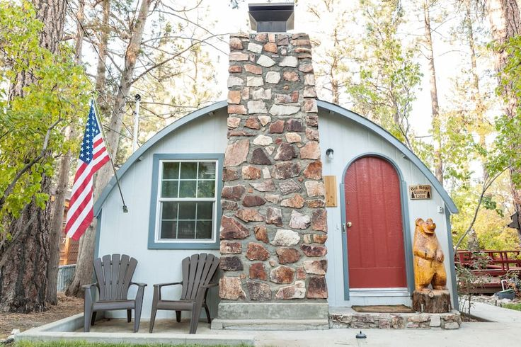 Big Bear Quonset Lodge-Pet Friendly - Cabins for Rent in Big Bear City
