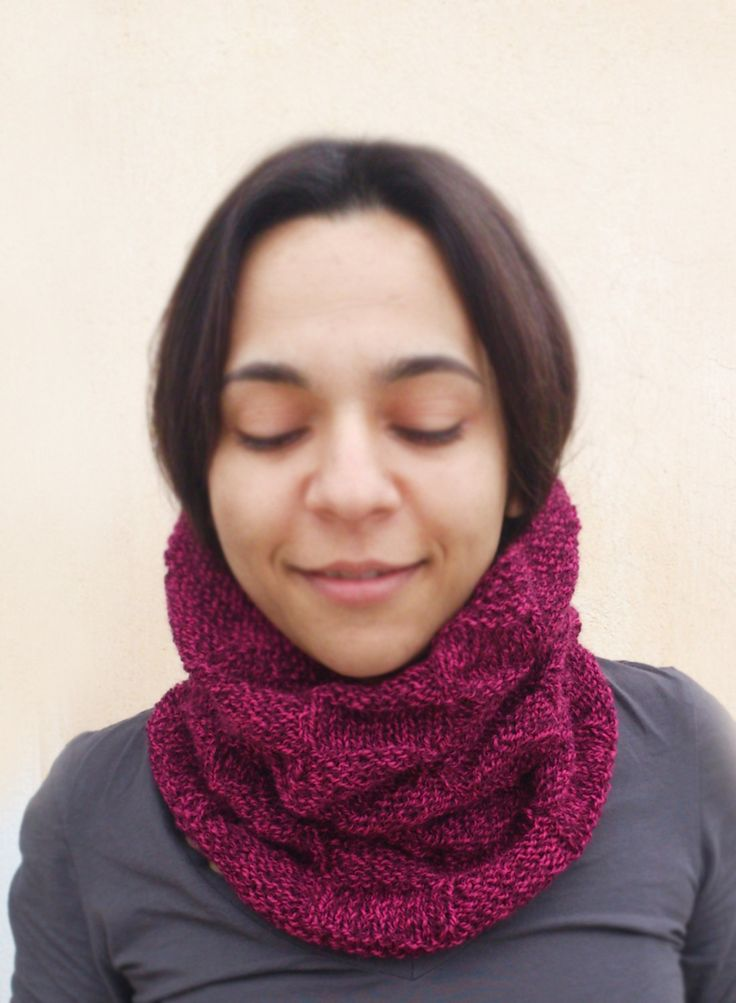 Burgundy Knit Cowl, Dark Red Cowl, Basketweave Knit Cowl, Maroon Hand Knit Cowl, Oxblood Knit Cowl, Unisex Knit Cowl, Chunky Knit Cowl by ManaKori on Etsy