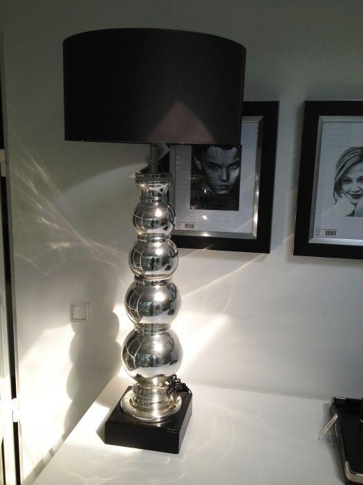 grote Tafellamp Osborne met zwarte lampenkap
