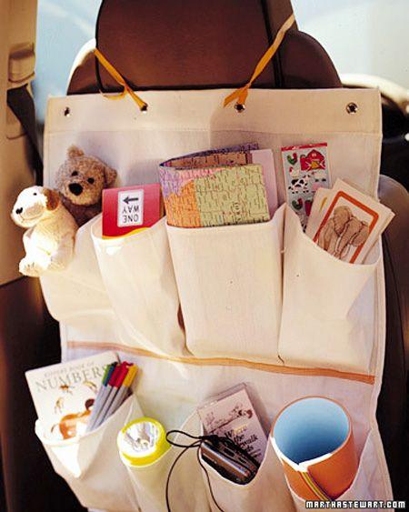 """Convierte un zapatero en """"juguetero"""" de viaje.   Sigue leyendo en: http://trucosyastucias.com/trucos-caseros/trucos-para-padres ©TrucosyAstucias.com #trucos #tips"""