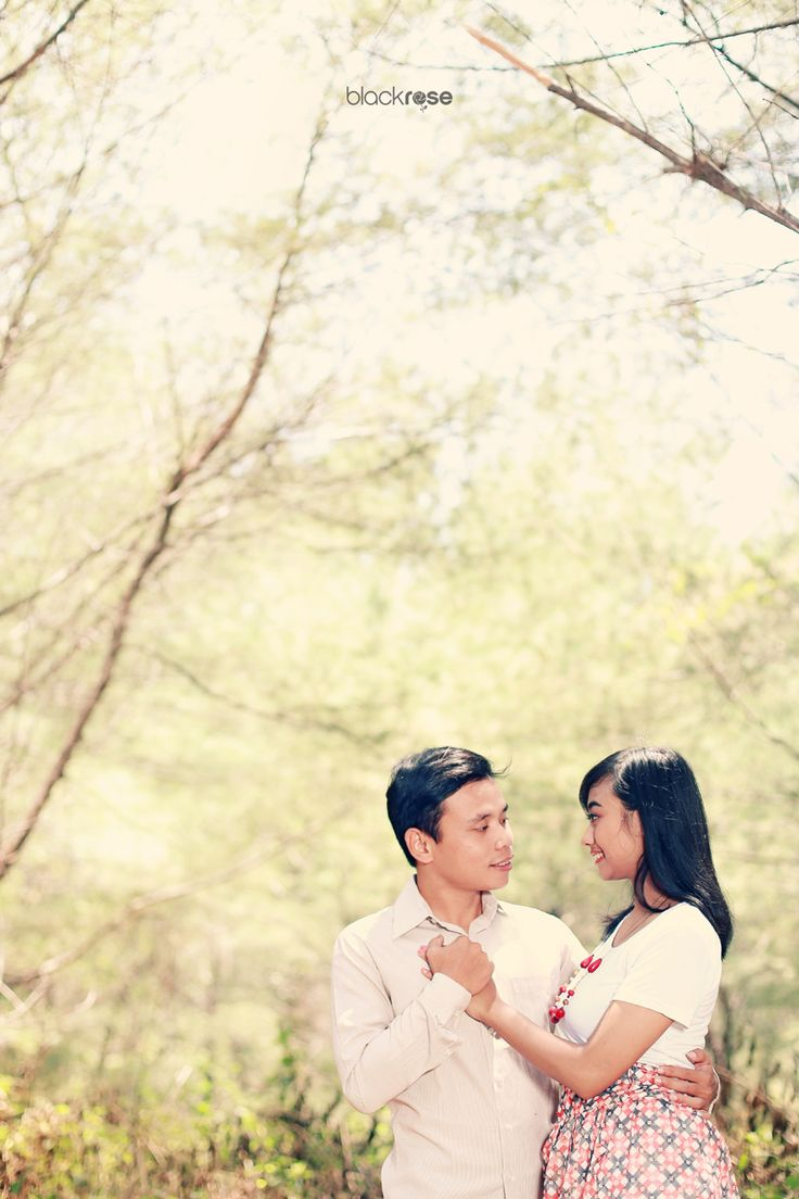 Young Couple by. Oma and Yudi  #vintage #burncolor #couple #prewedding  #outdoor #sweet #cute