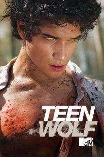 Teen Wolf saison 5 c'est La série que beaucoup d'Ados etc...attendais et il faut avouer qu'elle en vaut la peine  je vais pas tarder à m'y mettre j'ai vu quelque ép. mais j'aimerais avoir le filin de de cette histoire :)