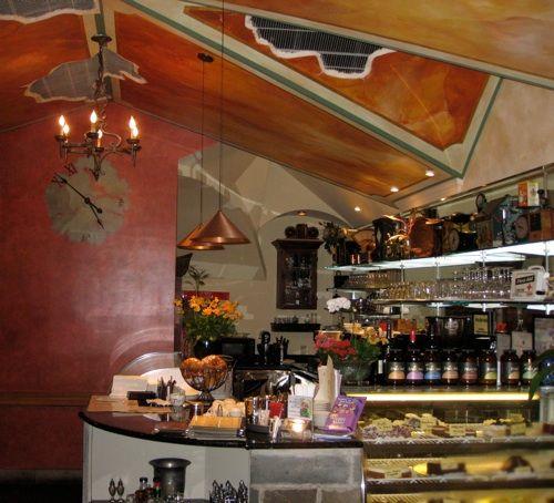 Edgar's Cafe