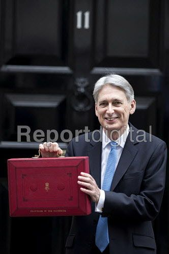 Photos Philip Hammond leaving 11 Downing Street with his Red Box, 2017 Budget Day, Westminster, London #Budget2017 « Reportdigital.co.uk Blog
