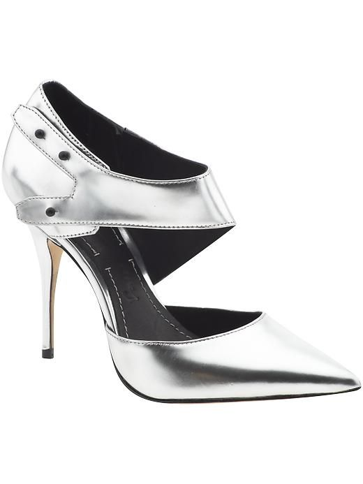 Elizabeth and James Metallic heels. Love.James Of Arci, Shoes, Metals Heels, James Sands Thes, Sands Heels, Silver Sands, James Metals, Elizabeth James, Sands Pump