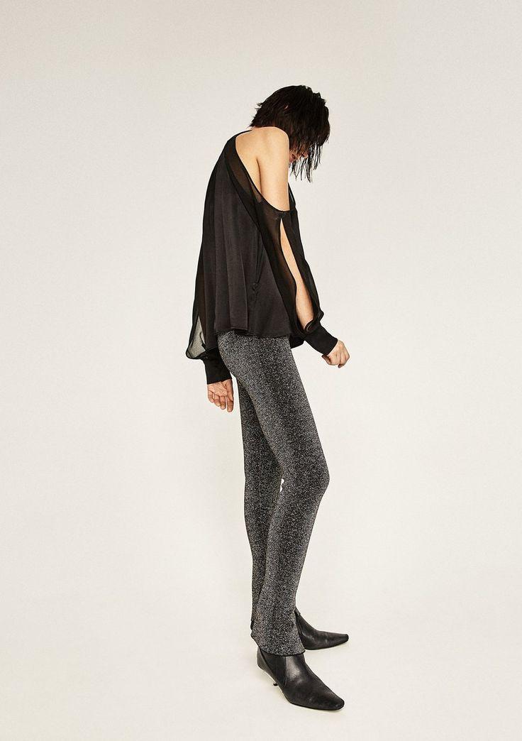Doubleface-Hose von Zara, um 40 €  Es glitzert, es funkelt – bei Zara gibt es jetzt die neue Evening-Kollektion für die Festtage. Von Samtblazer über Pailletten-Oberteil bis Volantkleid aus Glitzerstoff, die neue Kollektion greift die drei wichtigsten Trends auf.