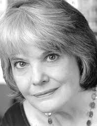 Lois Smith is an actress by profession. She was born in the United States. She spent most of her childhood in Kansas. Lois has been seen acting in films, on television and she also has a lot of experience in the field of theatre.