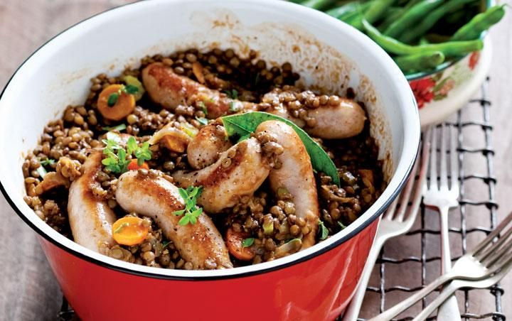 Pork sausages  with green lentils