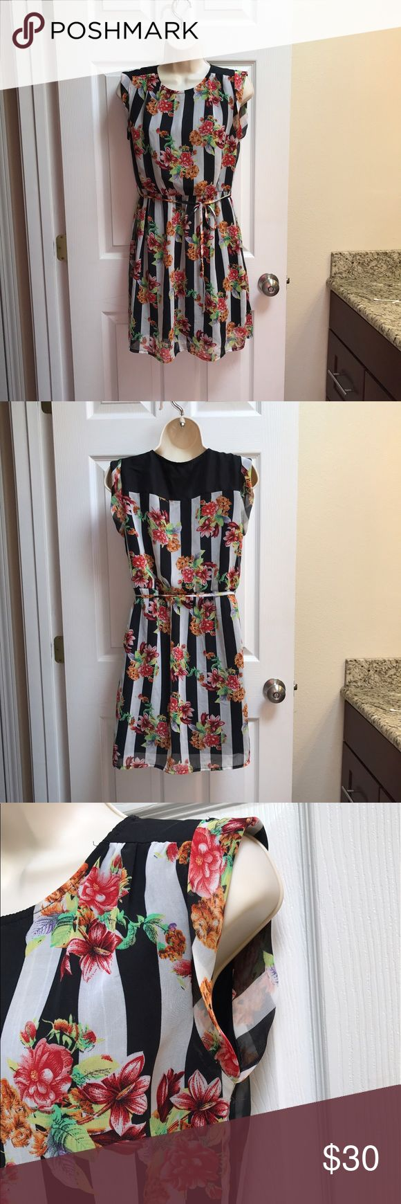 Tulle Striped Dress Beautiful floral Capped Sleeve dress! Worn once! Perfect summer or tea party dress! Tulle Dresses Midi