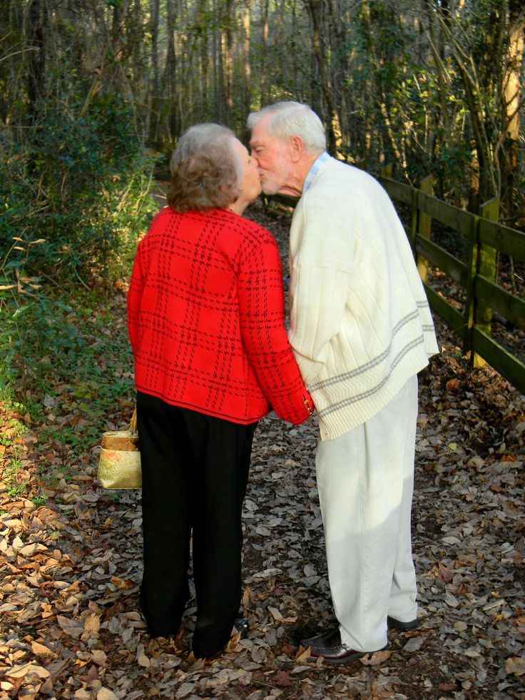 Awe this reminds me of how my grandma and grandpa used to be! This is so cute!