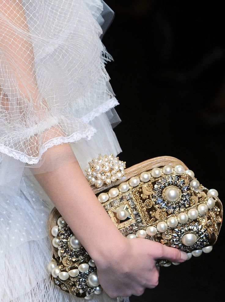 ~Wedding Accessories, Evening Bags, Celebrities Style, Vintage Clutches, Fashion Style, Design Handbags, Timeless Style, Costumes Jewelry, Clutches Bags