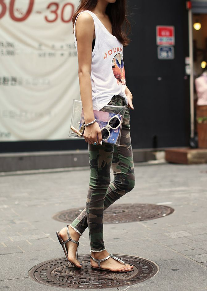 Casual Style♥ love this outfit. Camo and a Journey tank