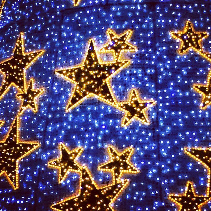 Starry Night ✨ products by @sateensydney #homeware #happynewyear #star #gift #lights ⭐️