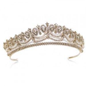 White and Gold Wedding Crown, Tiara. Regal princess wedding tiara in gold. £240 #ayedo.co.uk