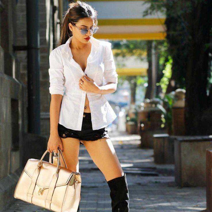 Well known TV actress Nia Sharma is currently being talked about for all the right reasons. There is no doubt that gorgeous actress is on cloud nine after becoming the third sexiest Asian woman.   Read More-->> http://www.oneworldnews.com/sneak-peak-from-the-hot-photo-shoot-of-actress-nia-sharma/
