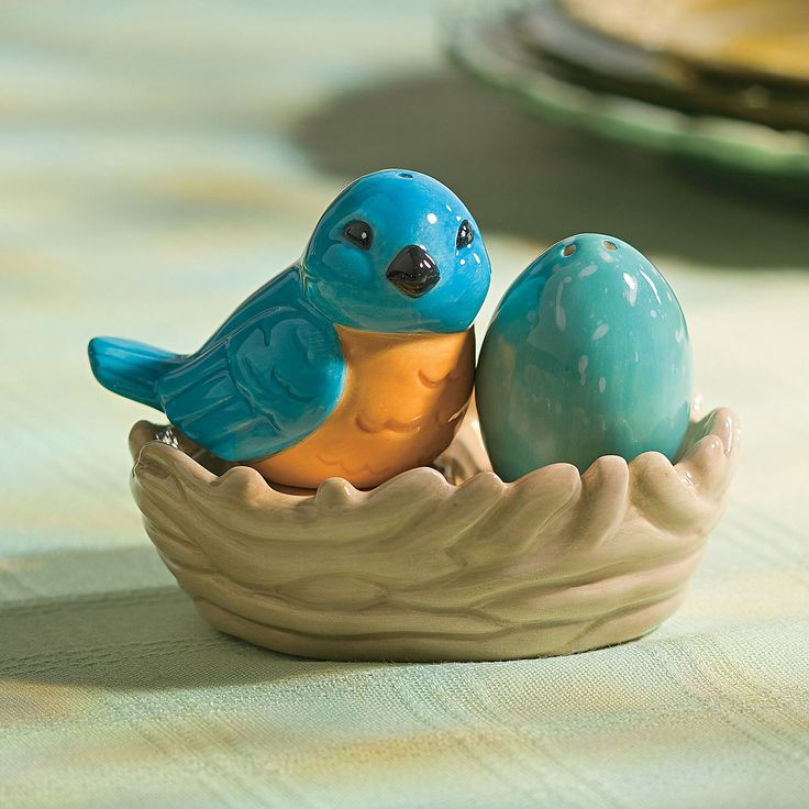 Bird Salt & Pepper Shakers - OrientalTrading.com - Add a dash of spring style to your kitchen with these bird salt & pepper shakers. This salt & pepper shaker set looks just as beautiful decorating your kitchen as it does gracing your brunch table.