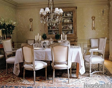 Custom white botanical chinoiserie pattern on walls. Designer: Paolo Moschino. Photo: Simon Uptown. housebeautiful.com #diningroom #wallpaper: Houses Beautiful, 19Th Century French, Rooms Decor Ideas, Dining Rooms Decor, Crystals Chandeliers, Dining Rooms Design, South Shore Decor, Paolo Moschino, Decor Blog