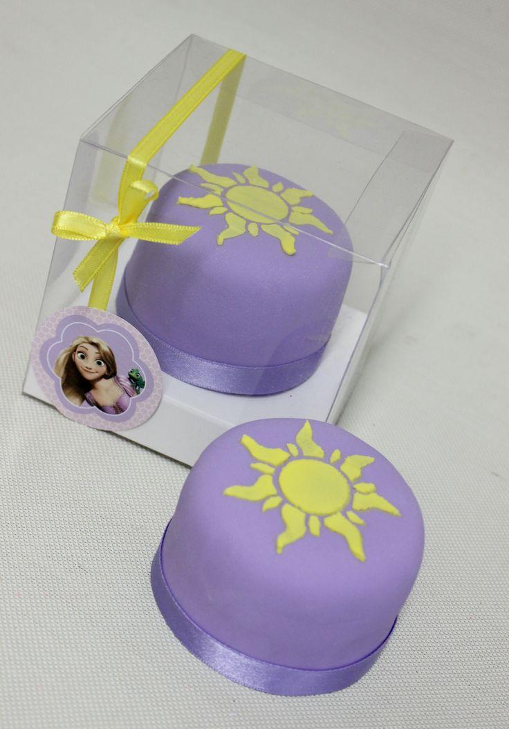 Rapunsel / Tangled Minicakes Souvenirs  Violeta Glace