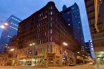 The Hilton downtown St. Loius