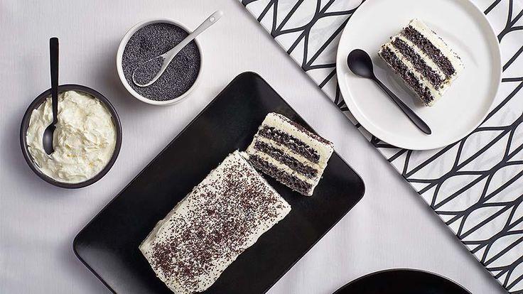 Hľadáte recept ma vynikajúci makový koláč? Nazrite do Lidl Cukrárne na stránke kuchynalidla.sk a inšpirujte sa najnovším koláčom z dielne Adriany Polákovej.