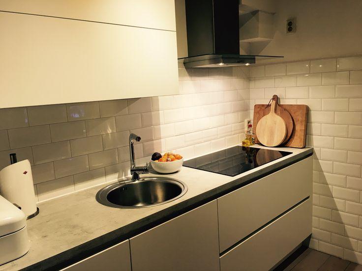 1000 idee n over metro tegel keuken op pinterest metrotegels metro tegel spetters en grijze - Tegel metro wit ...