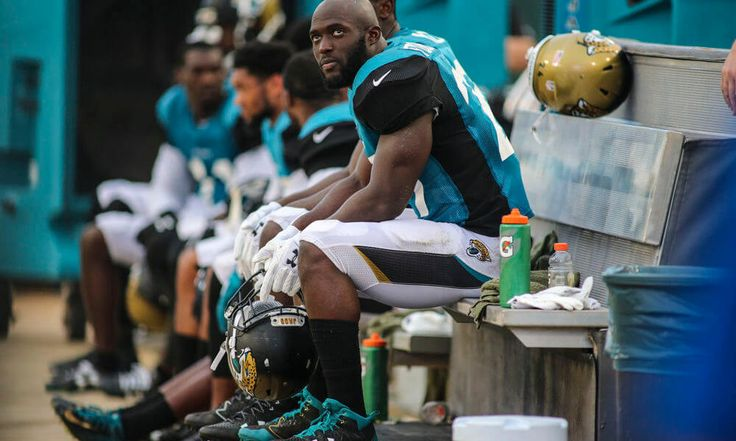 Jaguars rookie RB Fournette no lock to start season opener = The release of the first depth chart of the regular season often helps to determine just who it was that actually won a position battle that remained undecided through the preseason. That's not the case with the Jacksonville Jaguars. The Jags released their first.....