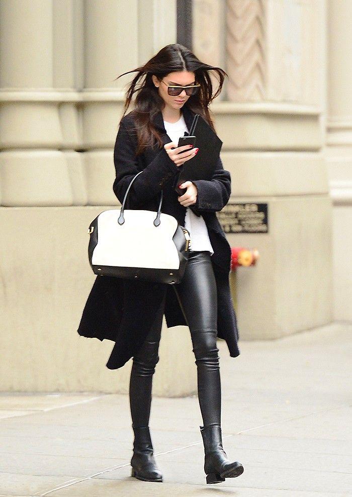 Kendall Jenner // calça de couro hiper skinny