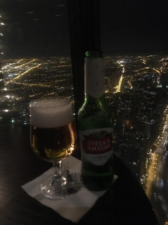 Birra en el piso 96 de la torre John Hancock en Chicago