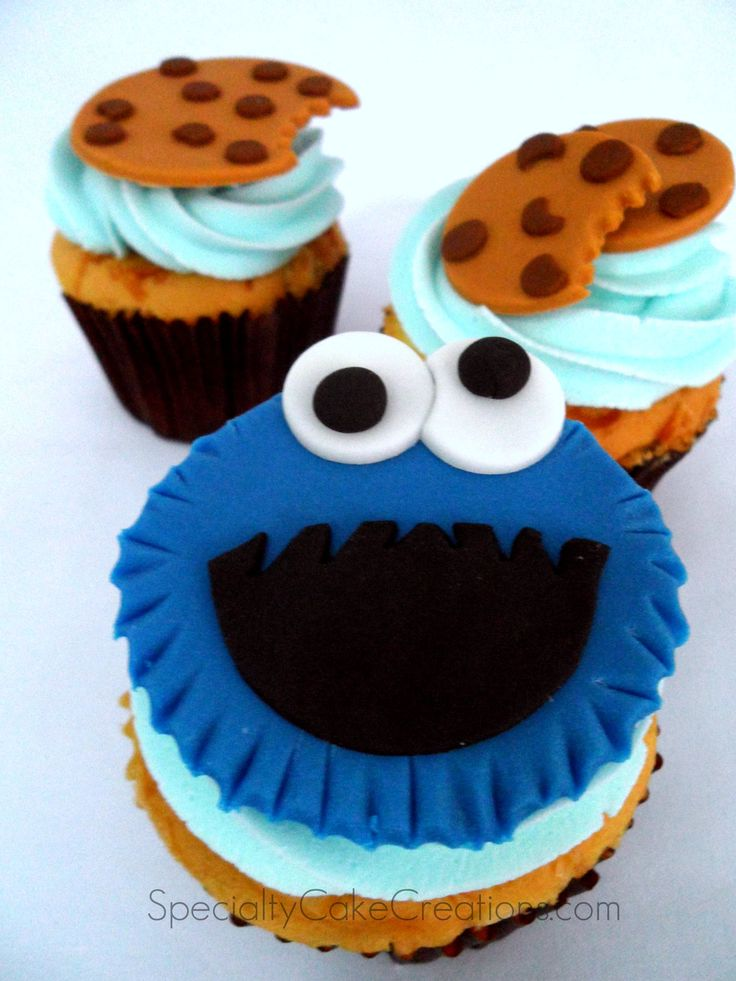 Specialty Cake Creations: Cookie Monster Cupcakes