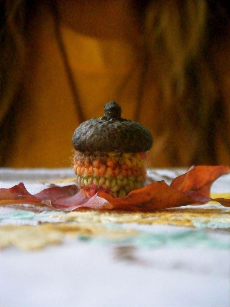 resurrection fern: Crochet Acorns and Felted Pumpkin Bowls : A Tutorial