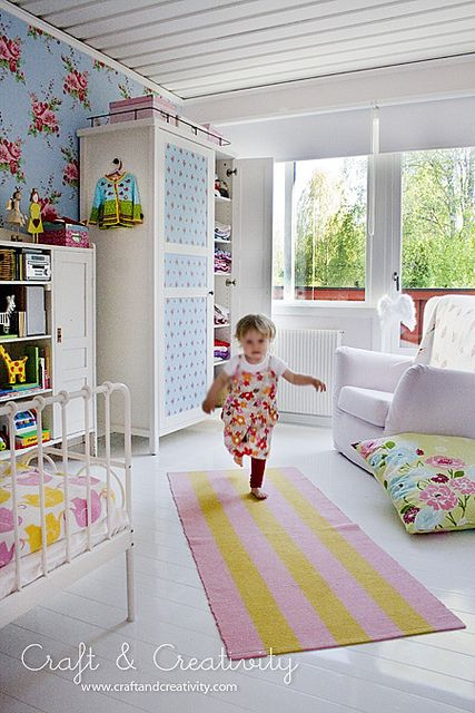 Elin´s room | Helena Soderberg. An absolutely adorable mix of vintage pattern and modern decor. Love the painted cabinet w/decoupage front.