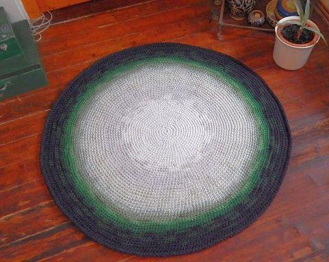 Horgolt  kerek szőnyeg  (Molylepke) - Meska.hu