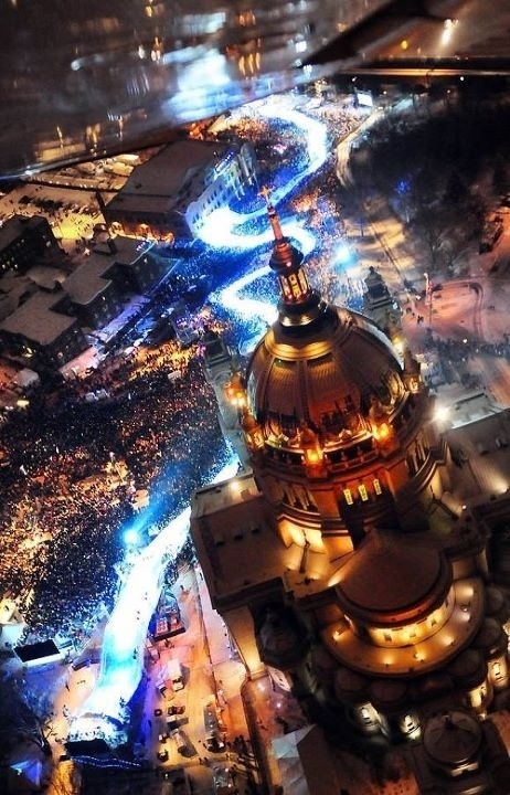 St. Paul has hosted the Redbull Crashed Ice competition for the past three winters.  Don't miss it this weekend!